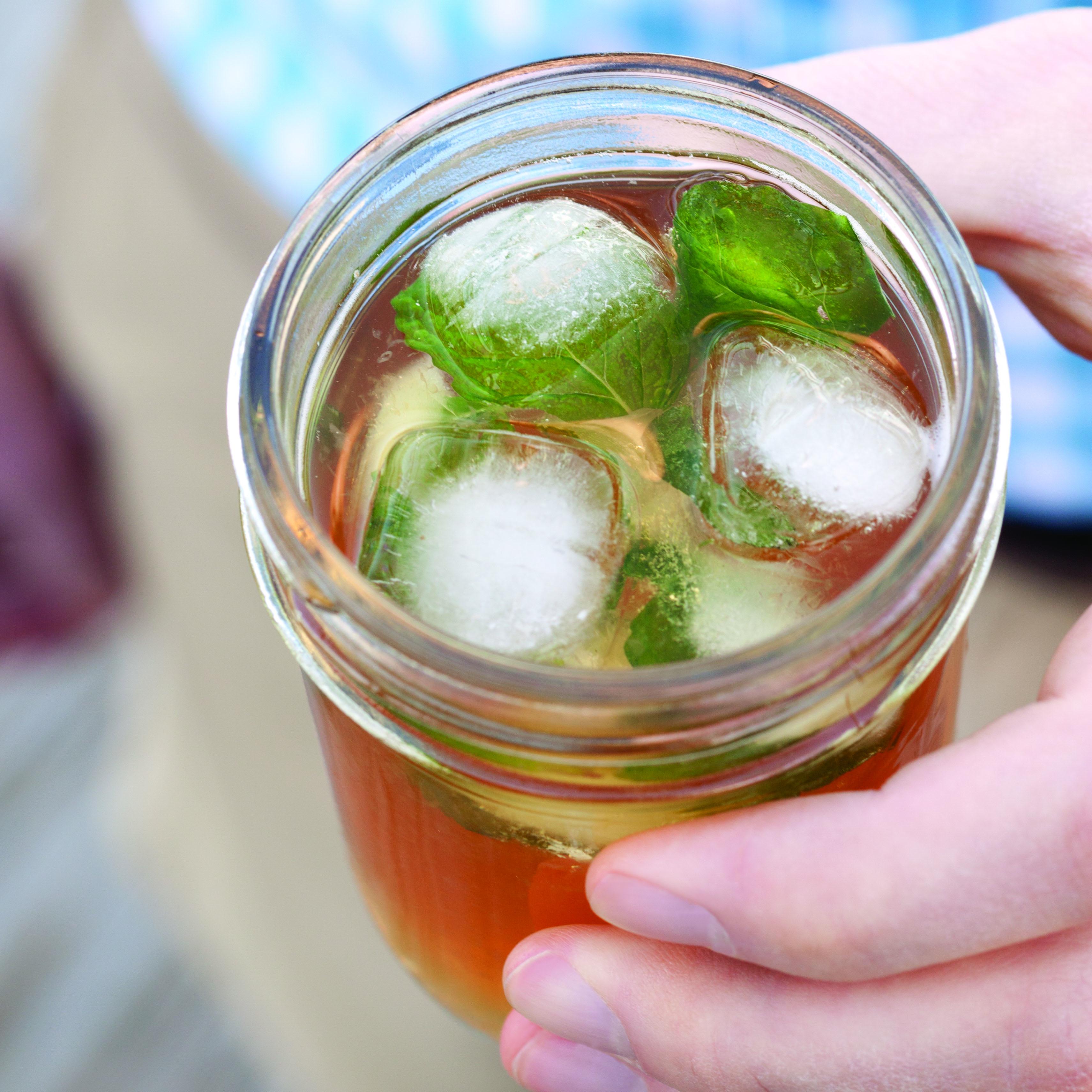 Spiked-Sweet-Tea-Lemonade.jpg