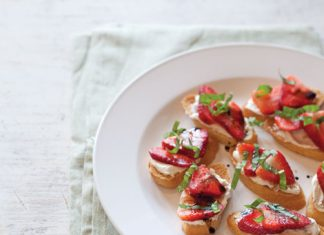 Savory-and-Sweet-Strawberry-Crostini-with-Balsamic-Syrup-Recipe.jpg