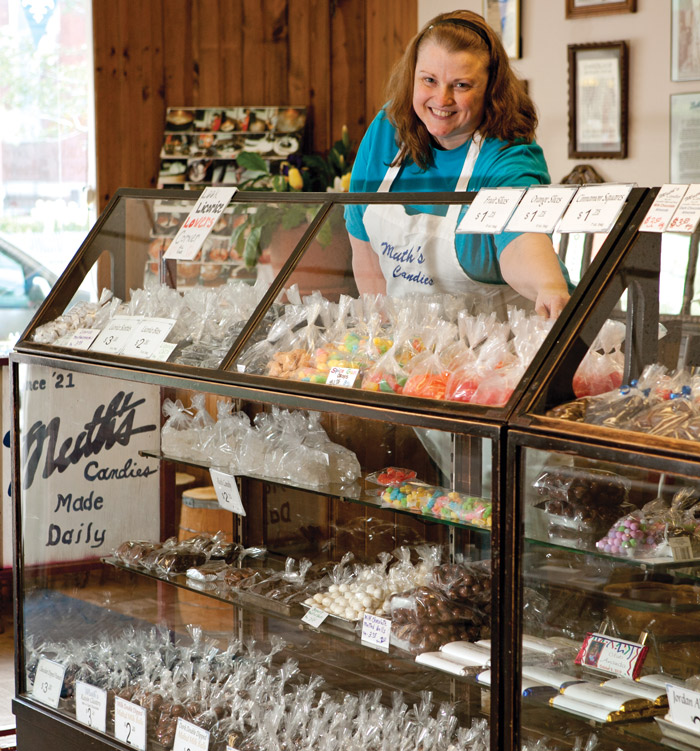 Muth's-Candies-with-shopgirl