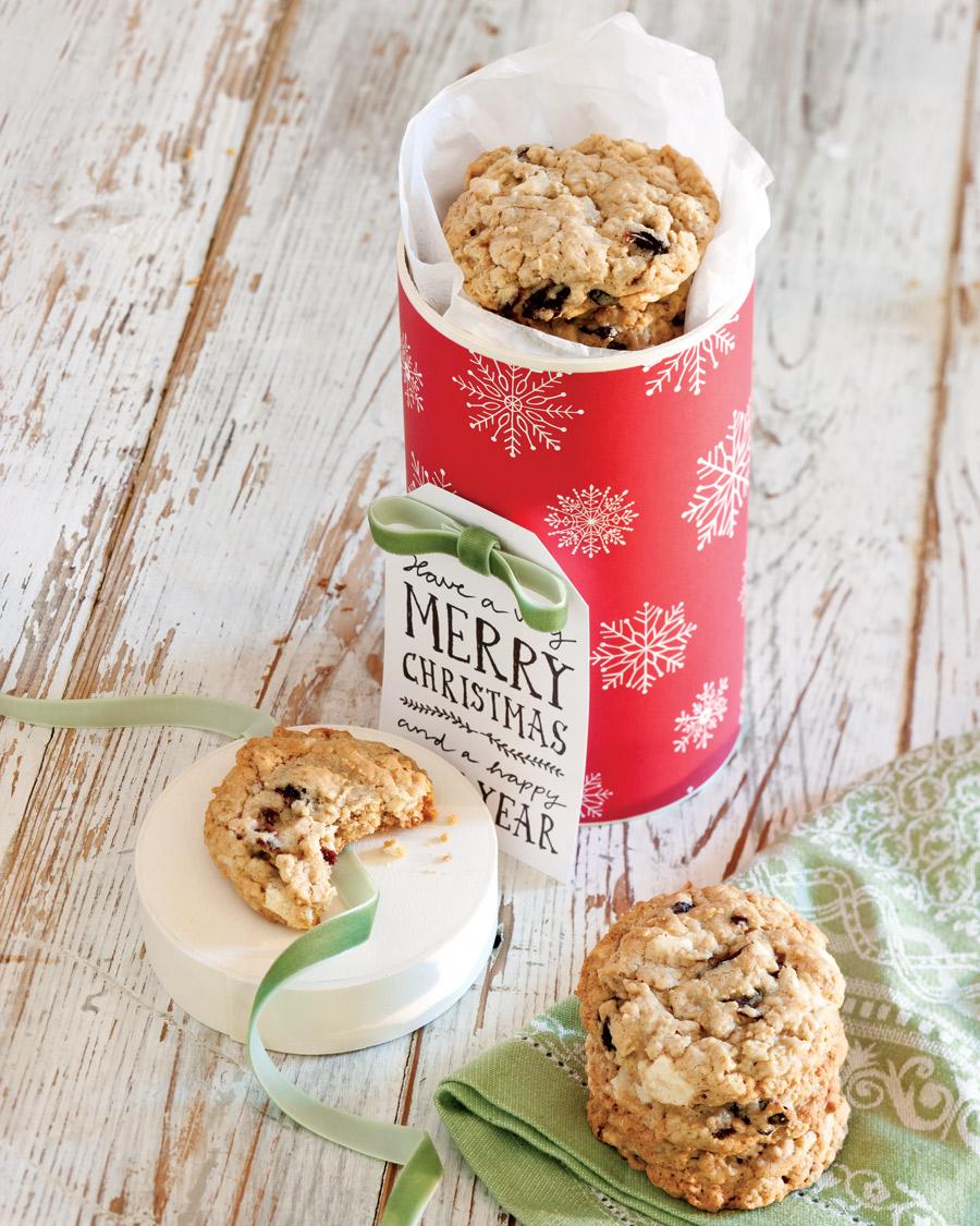 Taste of Christmas Oatmeal Cookies - Taste of the South