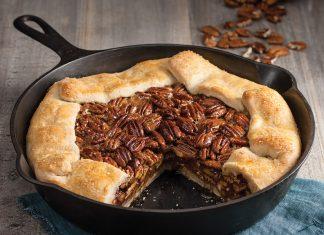 Skillet Pecan Pie