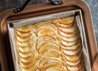 Apple Custard Cake